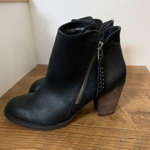 Black Madden Girl ankle boots